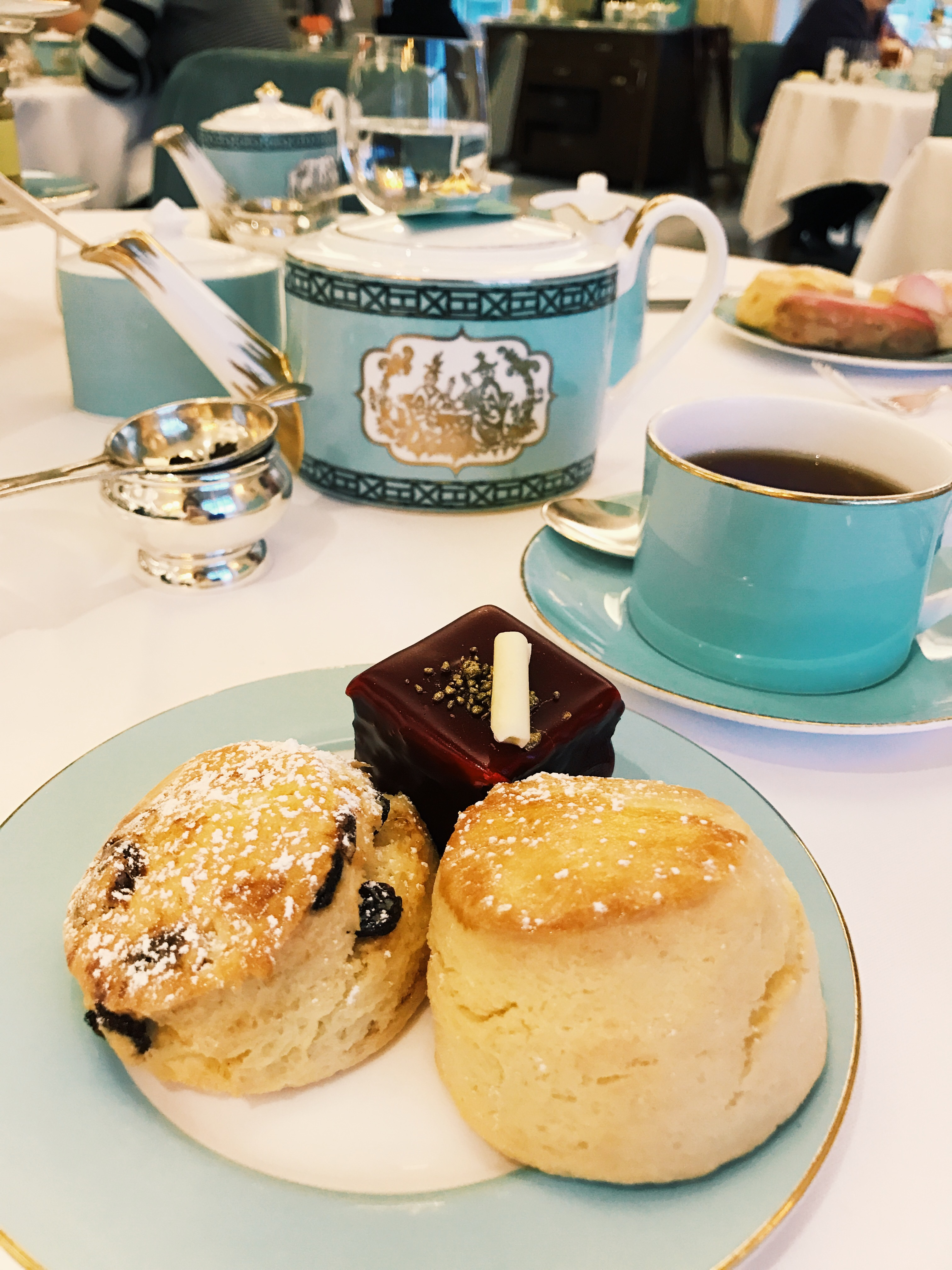 REVIEW: Fortnum & Mason Afternoon Tea