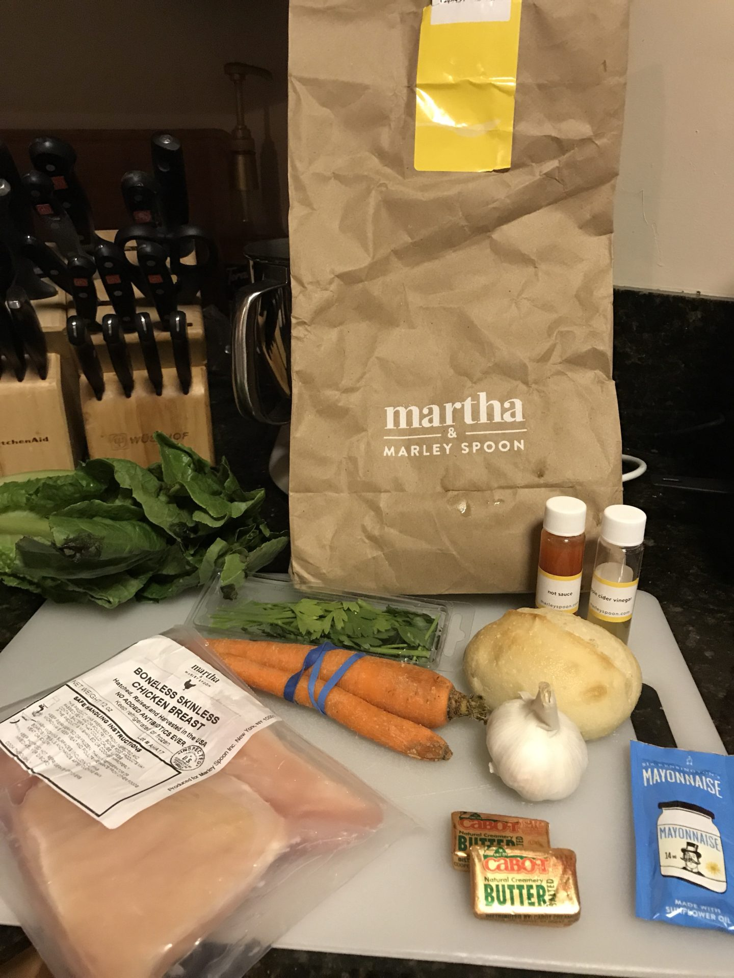 Not enough time in the day to make a delicious homemade meal after work? Check out my Marley Spoon Review for some great reasons why you should sign up for a meal prep service!